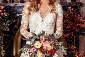 bordo-menyasszonyi-csokor