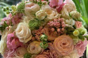 rozsaszin-menyasszonyi-csokor