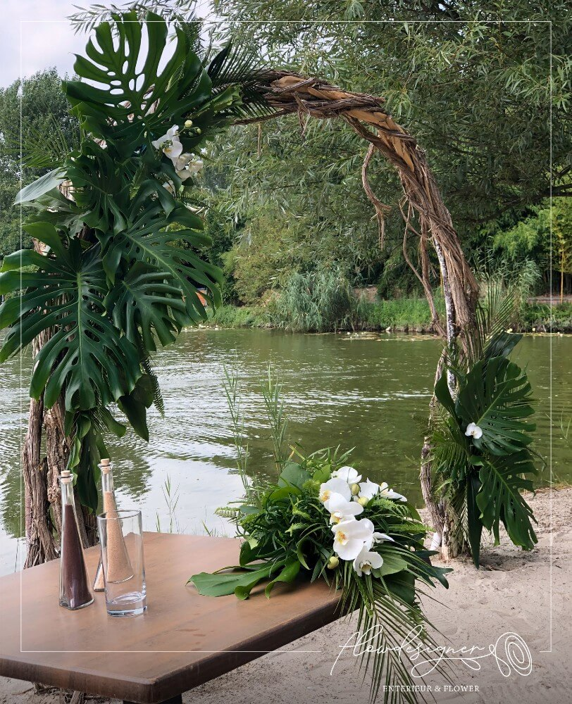 vízparti esküvő boldogságkapu